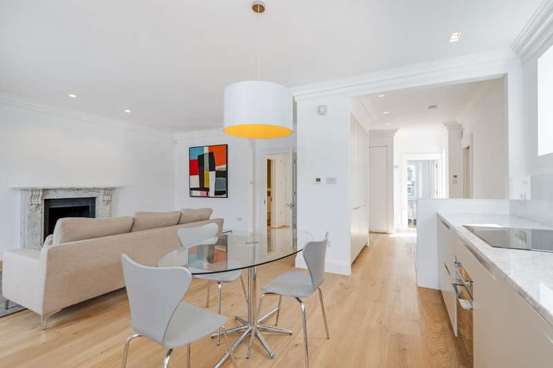 2 Bedrooms Flat for sale in Buckland Crescent, London