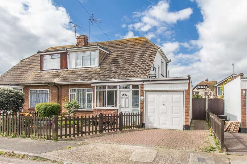 3 Bedrooms Semi Detached House for sale in Kenmore Close, Canvey Island, SS8