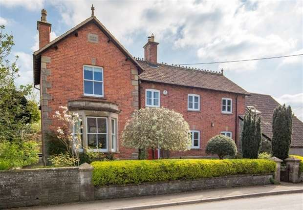 4 Bedrooms Detached House for sale in Queens Square, Ditcheat, Shepton Mallet