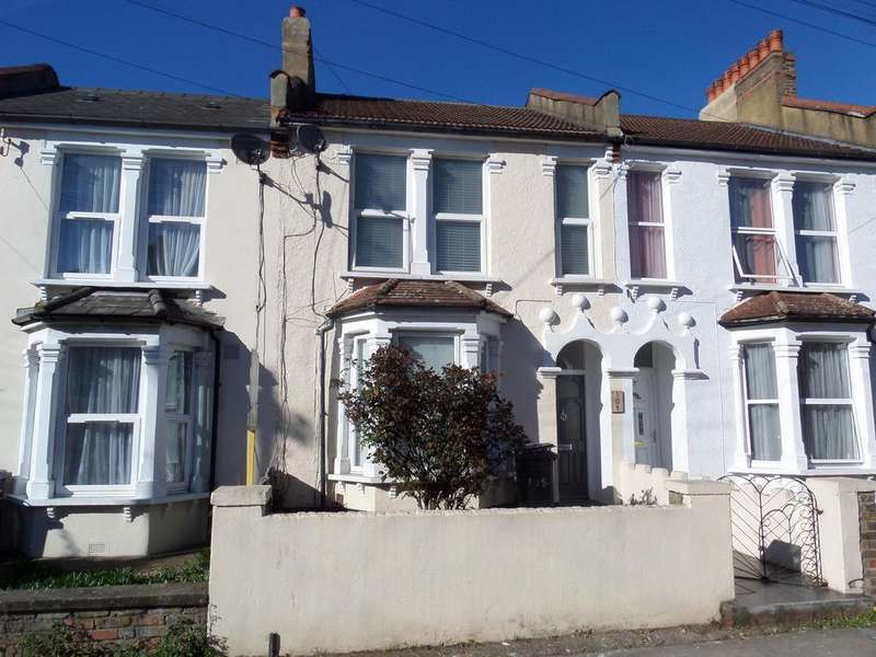 3 Bedrooms Terraced House for sale in Davenport Road, London