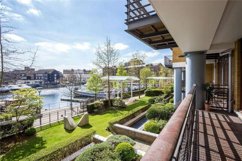 2 Bedrooms Flat for sale in Swan Court, City Quay, Star Place, London, E1W