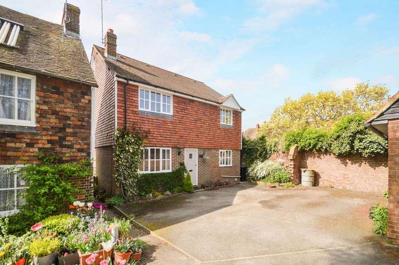 4 Bedrooms Detached House for sale in Wye, TN25