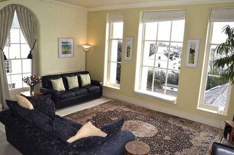 2 Bedrooms Flat for sale in Albert Road, Plymouth, Devon, PL2