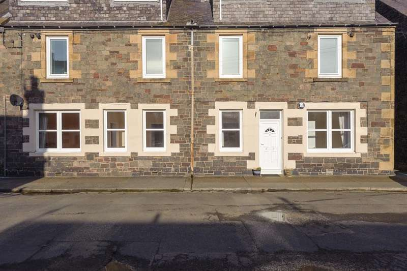 2 Bedrooms Flat for sale in Abbots Place, Galashiels, Selkirkshire, TD1