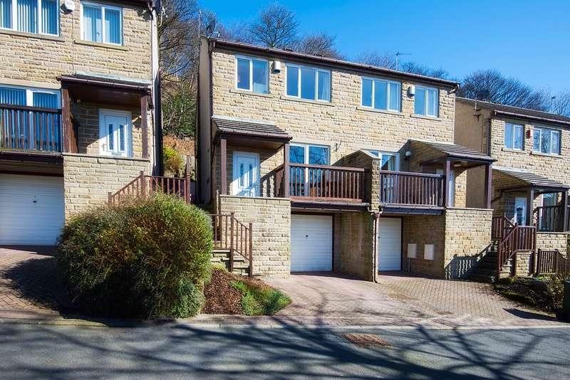 3 Bedrooms Semi Detached House for sale in Moorbottom Lane, Bingley, West Yorkshire, BD16