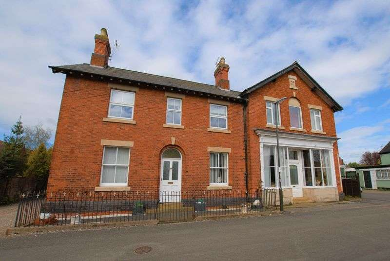 5 Bedrooms Detached House for sale in High Street, Doveridge