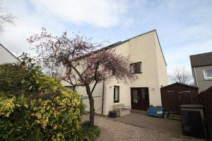 4 Bedrooms Detached House for sale in Dawson Avenue, Livingston