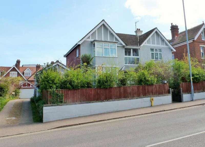 4 Bedrooms Detached House for sale in Cromer
