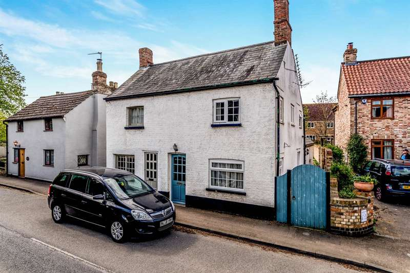 2 Bedrooms Semi Detached House for sale in High Street, Great Barford, Bedford, MK44