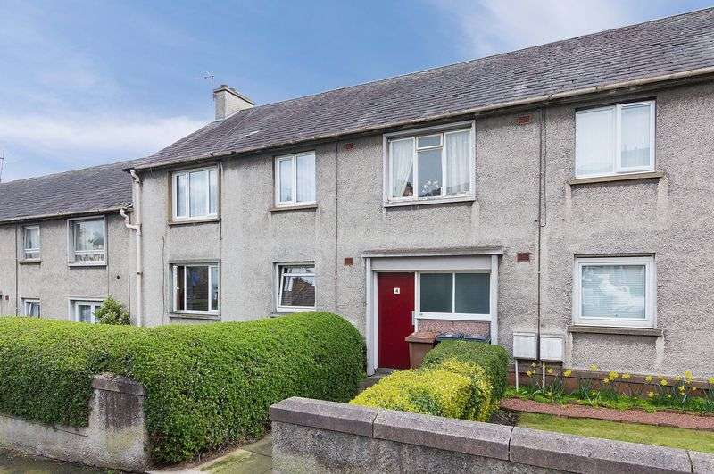 1 Bedroom Flat for sale in 4/1 Summerfield Gardens, Leith Links, Edinburgh EH6 7LZ
