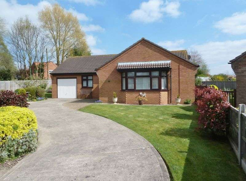 3 Bedrooms Detached Bungalow for sale in Mill Close, Alford