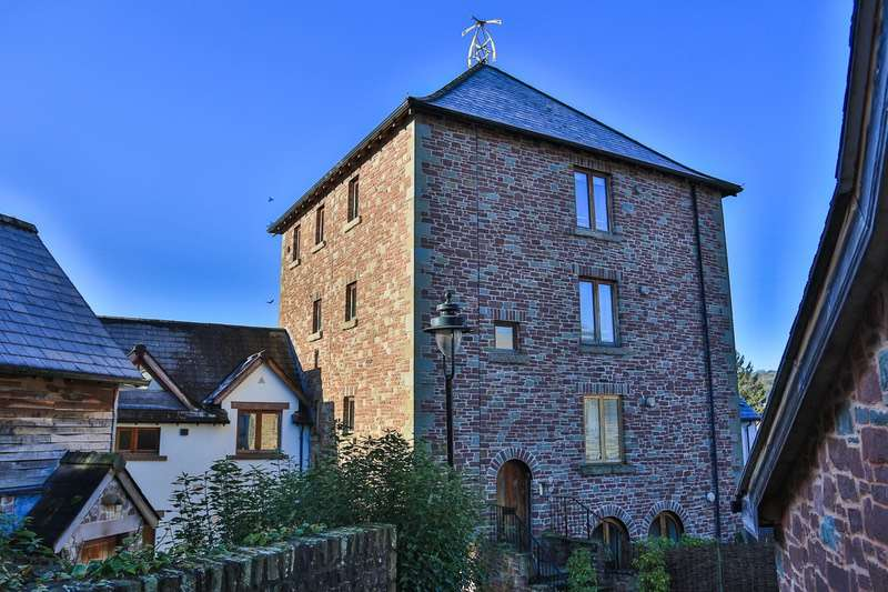 2 Bedrooms Flat for sale in The Tower - Upper House Farm, Crickhowell, Powys, NP8