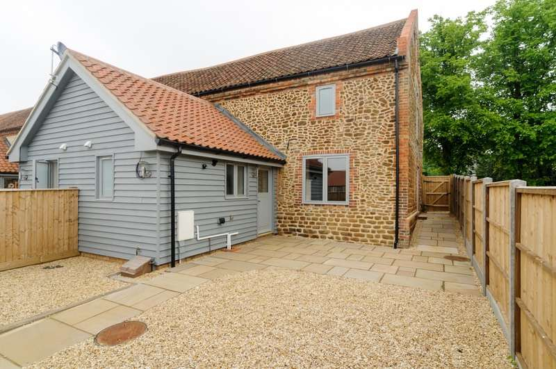 2 Bedrooms Barn Conversion Character Property for sale in Mulberry Place, Heacham, Norfolk, PE31