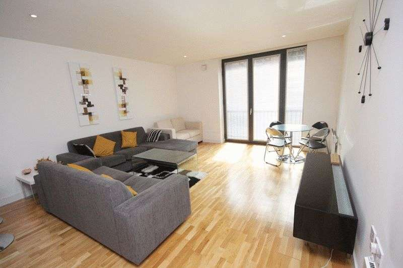 2 Bedrooms Flat for rent in The Hub, Piccadilly Place