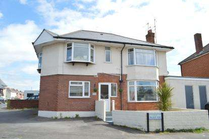 3 Bedrooms Flat for sale in Ensbury Park, Bournemouth, Dorset