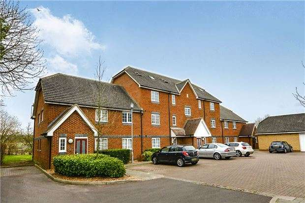 2 Bedrooms Flat for sale in Tilers Close, Merstham, REDHILL, RH1 3HS