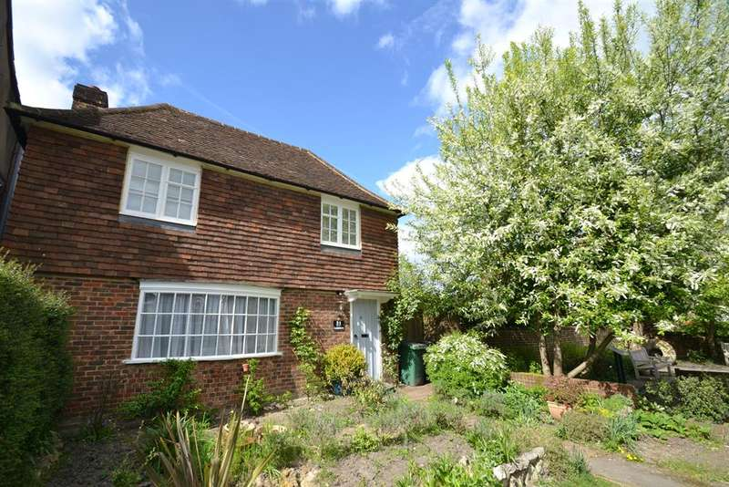 3 Bedrooms Detached House for sale in High Street, Merstham, Surrey RH1 3BA