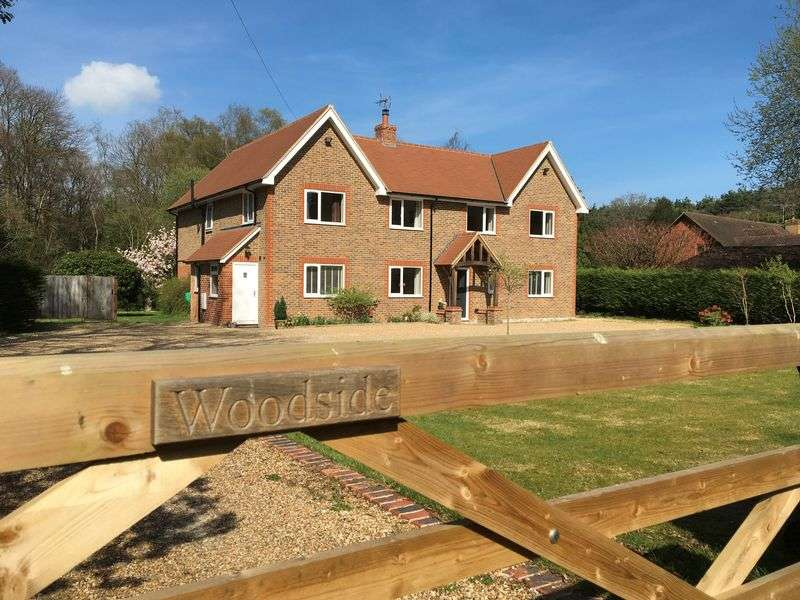 4 Bedrooms Detached House for sale in Furnace Farm Road, Felbridge, West Sussex