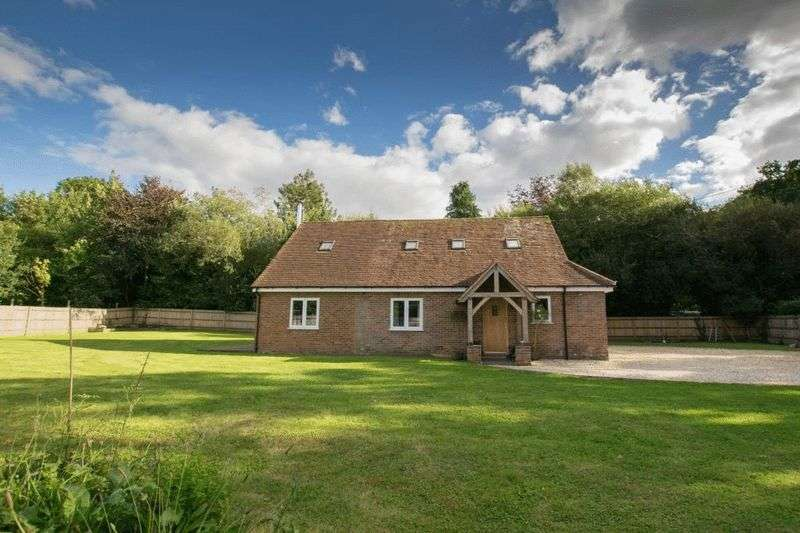 4 Bedrooms Detached House for sale in Station Road, Ferndown