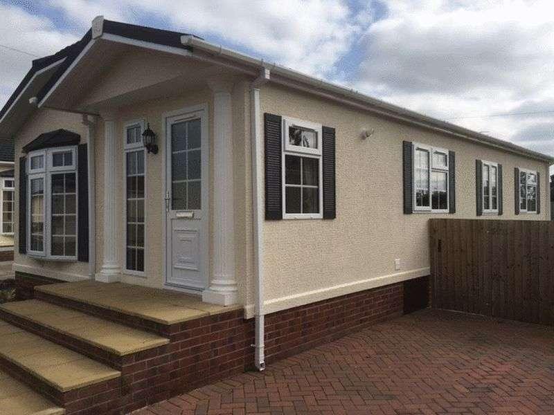 3 Bedrooms Property for sale in Warren Park, Warrant Road, Stoke on Tern, Market Drayton, Shropshire, TF9 2DZ