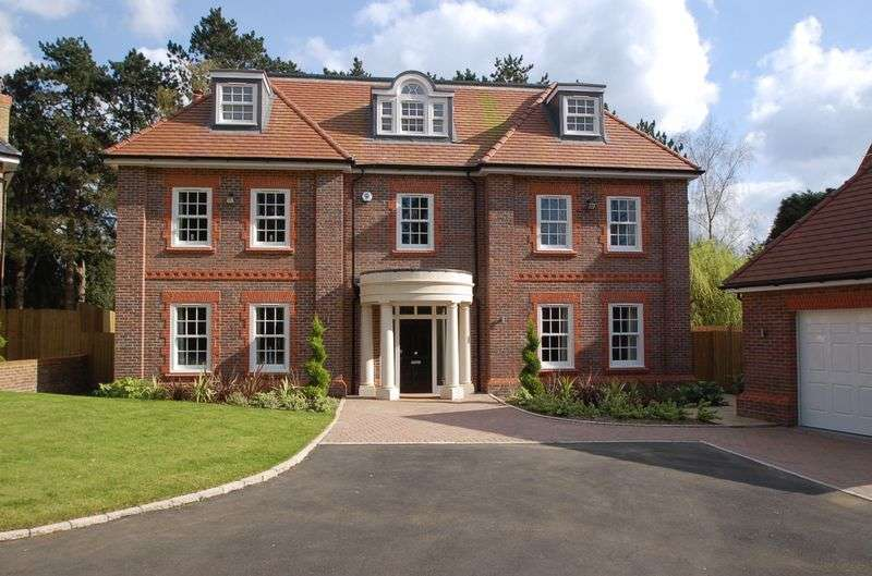 5 Bedrooms Detached House for sale in Penn