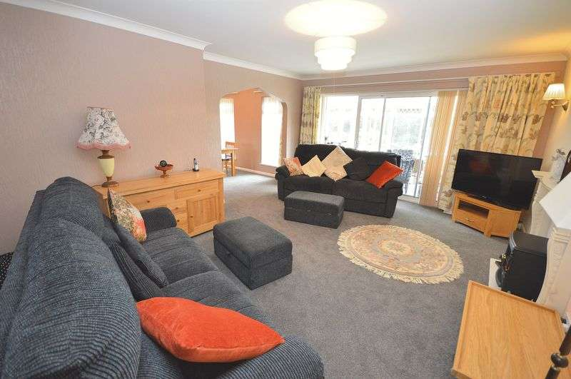 4 Bedrooms Detached Bungalow for sale in Ash Priors, Widnes