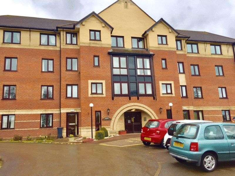 1 Bedroom Flat for sale in Hartford Court : ** SOUTH FACING - INCLUDES WALL LIGHTS AND ELECTRIC FIRE & SURROUND **