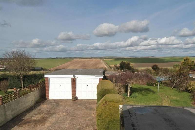 4 Bedrooms Detached Bungalow for sale in Farm Hill, Woodingdean