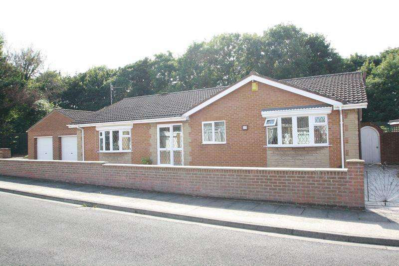 3 Bedrooms Detached Bungalow for sale in Carron Grove, Normanby, Middlesbrough TS6 0HD
