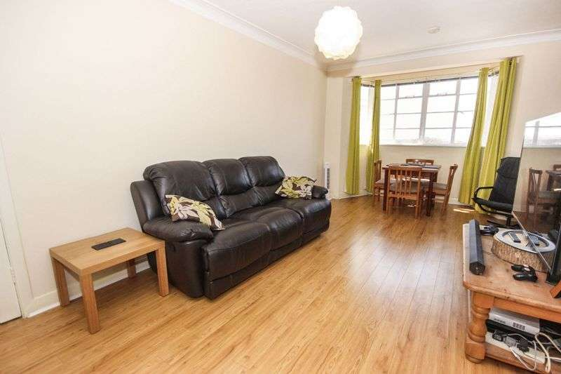 3 Bedrooms Flat for sale in The High, Streatham High Road, London