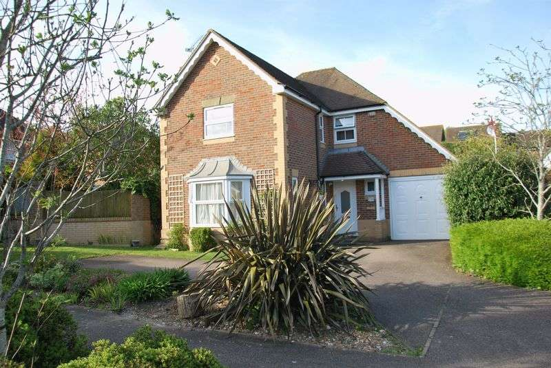 4 Bedrooms Detached House for sale in Pilgrims Mead, Bishopdown Farm, Salisbury