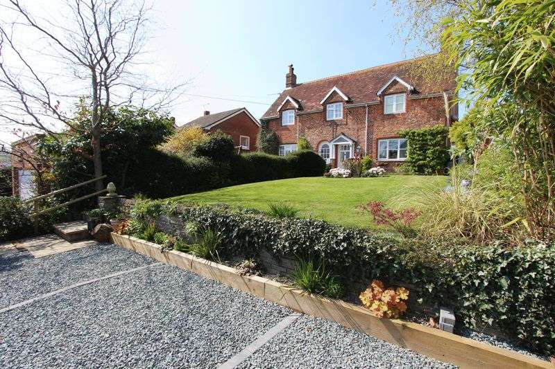 3 Bedrooms Semi Detached House for sale in Fair Oak