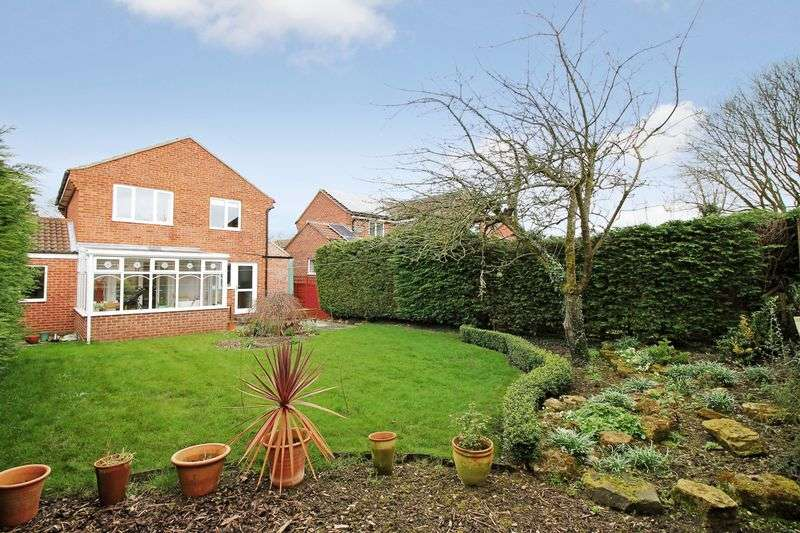 3 Bedrooms House for sale in St Olaves Close, Ripon
