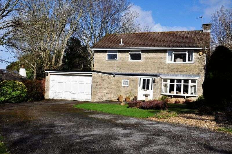 4 Bedrooms Detached House for sale in Uncombe Close, Backwell