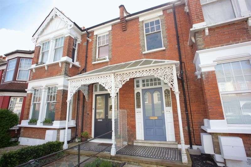 2 Bedrooms Flat for sale in Belsize Avenue, Palmers Green, N13