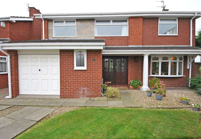 4 Bedrooms Detached House for sale in Pershore Grove, Ainsdale, Southport. PR8 2SY