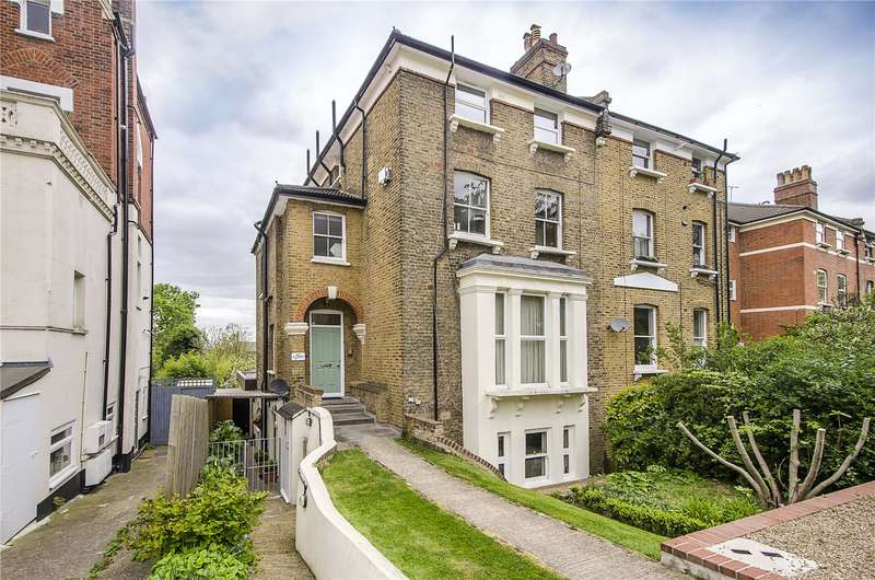 3 Bedrooms Flat for sale in Wood Vale, London, SE23