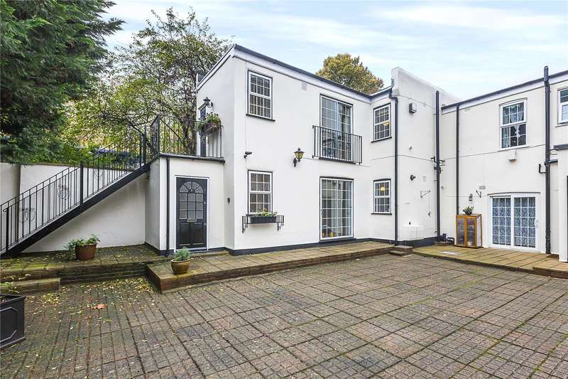 1 Bedroom Flat for sale in Frobisher Court, 10 Old Woolwich Road, London, SE10