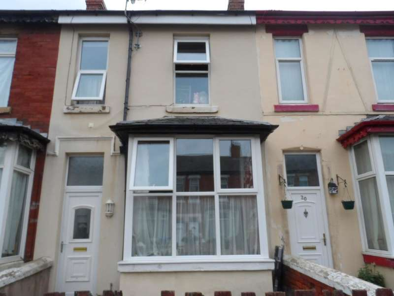 3 Bedrooms Property for sale in 18, Blackpool, FY1 3JT