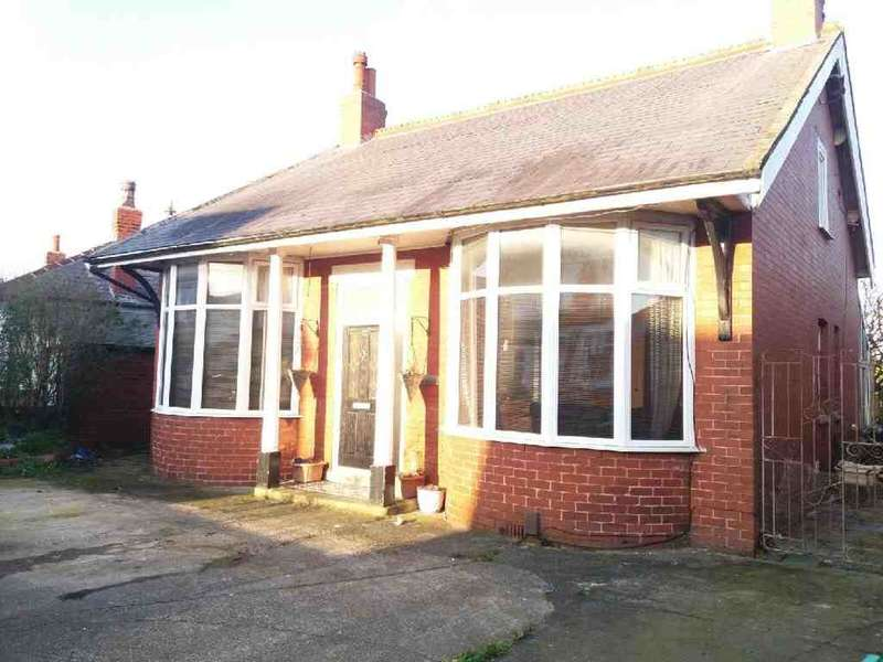 4 Bedrooms Property for sale in 22, Blackpool, FY1 2QE