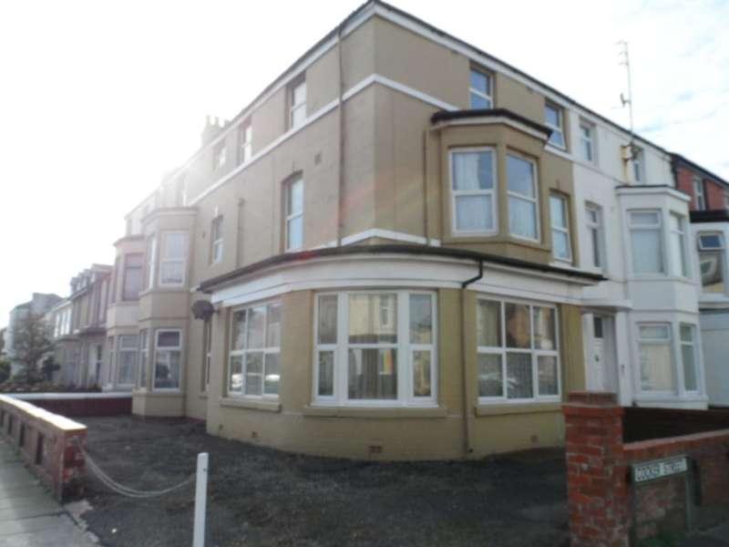 5 Bedrooms Property for sale in 38, Blackpool, FY1 2DP