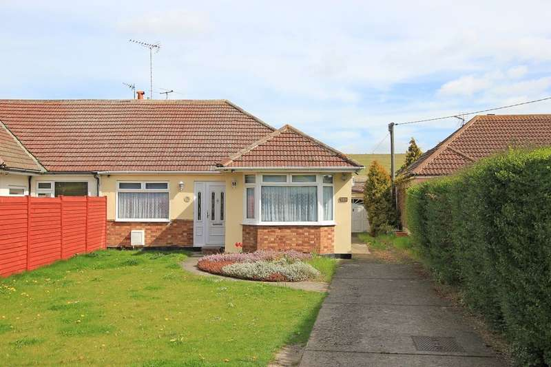 3 Bedrooms Semi Detached Bungalow for sale in Main Road, Longfield, DA3