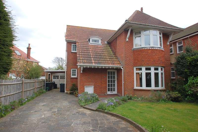 4 Bedrooms Detached House for sale in Anglesey Road, Alverstoke, Gosport