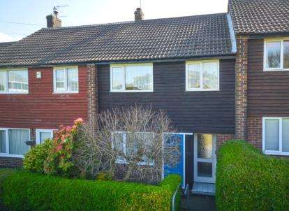 3 Bedrooms Terraced House for sale in Fox Hill Road, Fox Hill, Sheffield