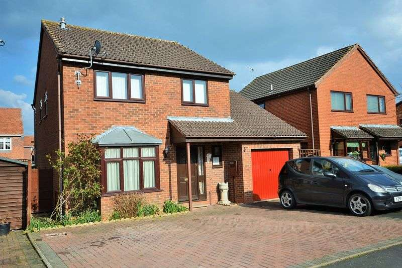 4 Bedrooms Detached House for sale in Castle Close, Tenbury Wells