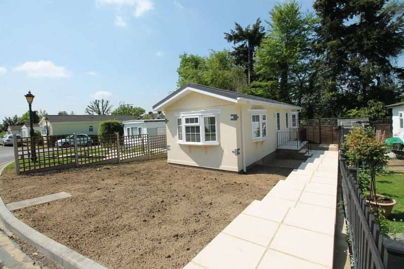 1 Bedroom Detached Bungalow for sale in Boxhill