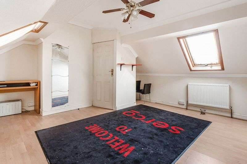 4 Bedrooms Terraced House for sale in Purley Way, CROYDON