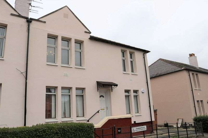 2 Bedrooms Flat for sale in Bruce Street, Dundee