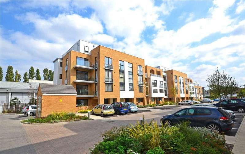 2 Bedrooms Apartment Flat for sale in Pym Court, Cromwell Road, Cambridge, CB1