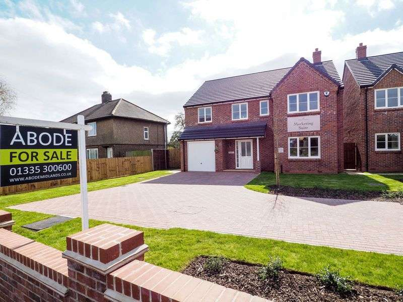 4 Bedrooms Detached House for sale in Harcourt Gardens , Stanley Common